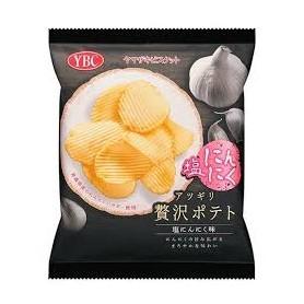 YBC アツギリ贅沢ポテト 塩にんにく 岩鹽蒜味薯片 55g